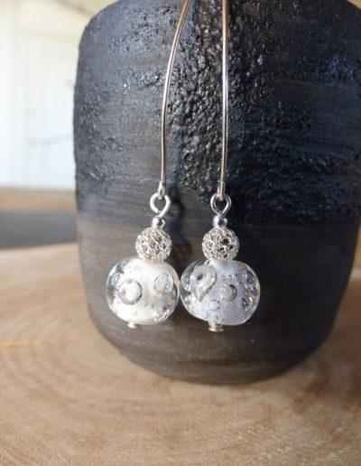 boucles d_oreille perle blanche à bulle_