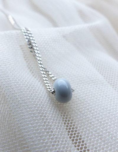 marie tellier_collier petite perle grise