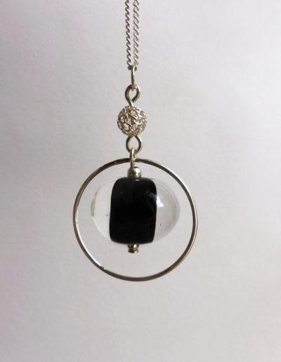 marie tellier_collier filigrané perle noire et transparente